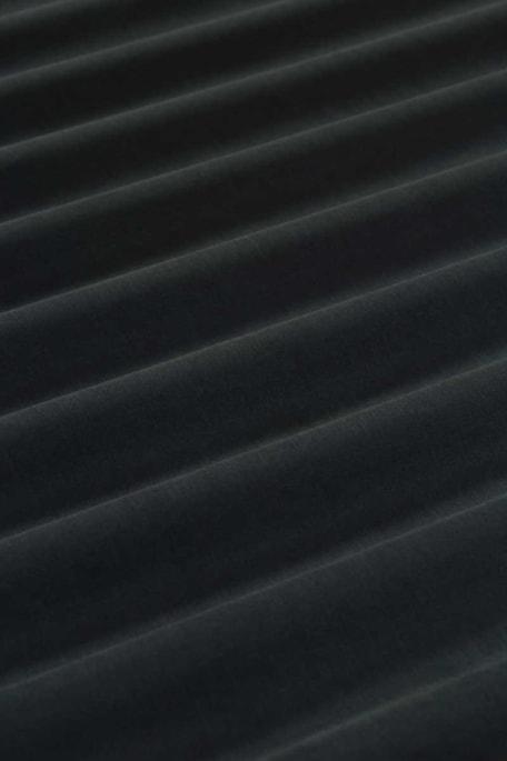 LYO tummansininen